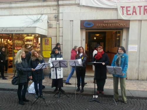 24-11-15-artiste-del-coro-in-momenti-musicali-per-la-cittc3a8